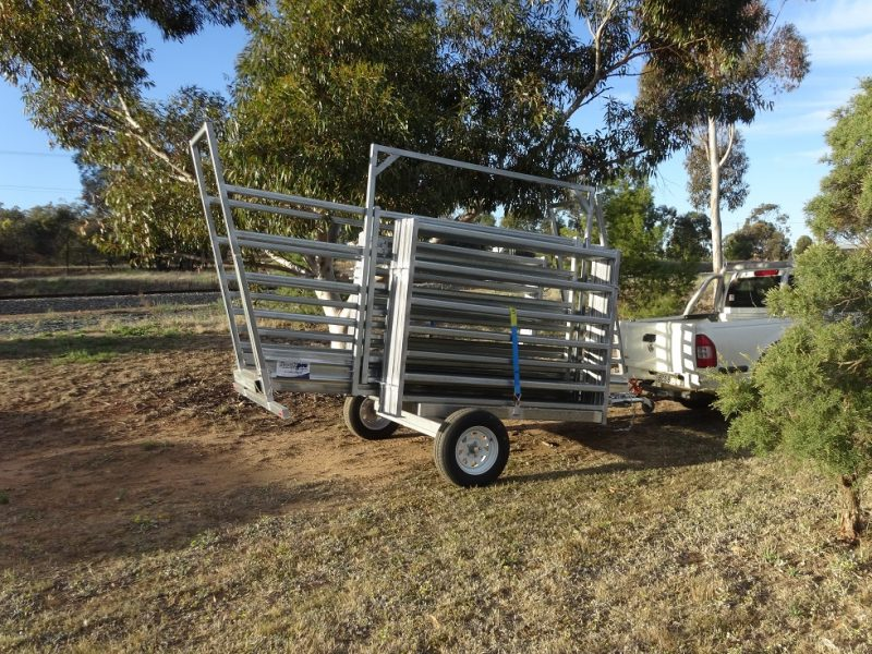 3.8m Mobile Cattle Loading Ramp (1)
