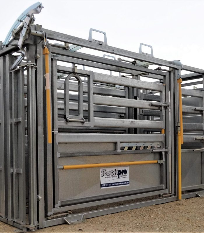 Super Heavy Duty Vet Squeeze Cattle Crush